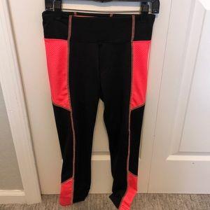 Girls size 10 athletic leggings.